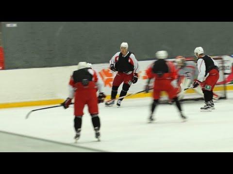 """Сбор в Курганово: """"Автомобилист"""" играет в хоккей в бронежилетах!"""