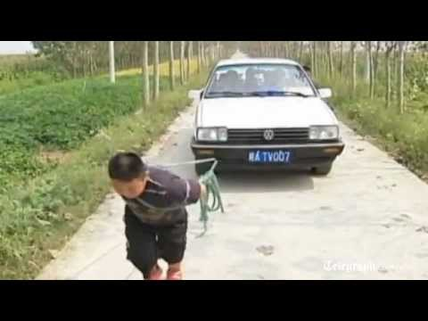 The Chinese Boy Who Can Tow a Car picture
