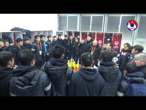 [HOT] Thầy trò HLV Park Hang Seo nghẹn ngào sau trận Chung kết U23 Châu Á 2018 - Thời lượng: 6:31.