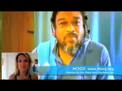 "Mooji Interview: Stay In ""I Am"" And All of Your Troubles Will Melt Away"