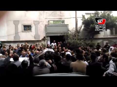 المئات يشيعون جثمان شيماء الصباغ من الإسكندرية