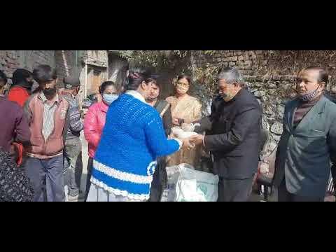 SKM NEWS SERVICE : मकर सक्रांति : भाजपा प्रदेश प्रवक्ता विनय गोयल ने किया खिचड़ी वितरण ।