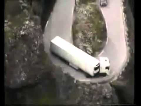 AMAZING TRUCK DRIVERS ( DANGEROUS ROADS ...