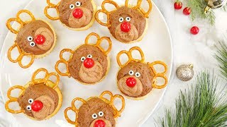 Kid Friendly Christmas Cupcake Ideas | Christmas Tree, Reindeer and Christmas Light Cupcakes by The Domestic Geek