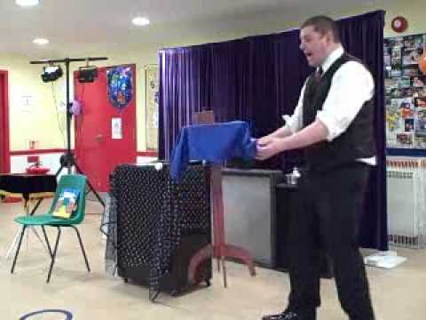 Comedy Magic, Funny Magic Video, Family magician Rob Woods