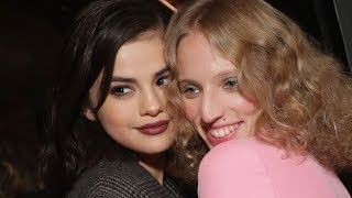 Video Selena Gomez Unfollowed BFF Because of Justin Theroux? MP3, 3GP, MP4, WEBM, AVI, FLV Maret 2018