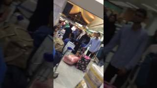 مطار جدة يكشف أسباب ازدحامه الشديد أمس الثلاثاء