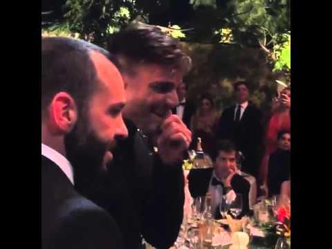 Mujer pagó US$90.000 por un beso de Ricky Martin