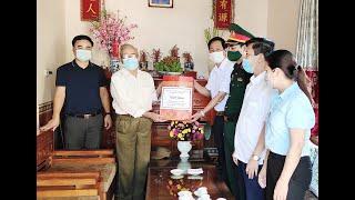 Phó Bí thư Thường trực Thành ủy Phạm Tuấn Đạt thăm, tặng quà người có công