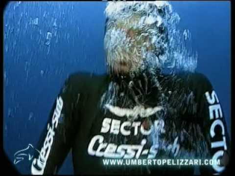 Record del mondo di apnea di Umberto Pelizzari in assetto costante -75m