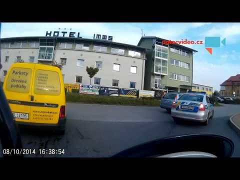 Policejní dej přednost v jízdě