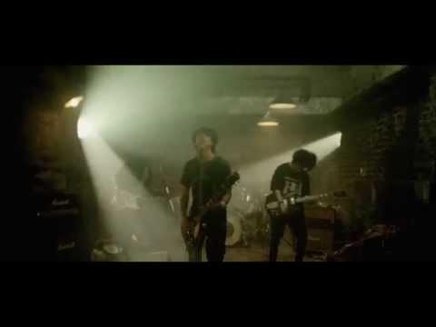 , title : 'MONOEYES - Run Run(Music Video)'