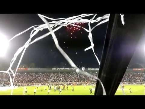 RECIBIMIENTO DE NEWELLS DESDE ADENTRO VS velez COPA LIBERTADORES - La Hinchada Más Popular - Newell's Old Boys