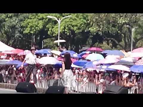 Trường Giang và Hoàng Châu biểu diễn hài hước tại Đài Loan
