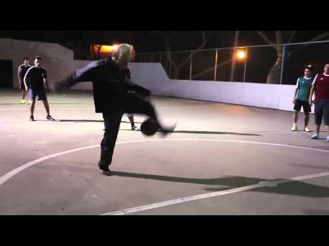 sean garnier - calcetto freestyle incredibile!