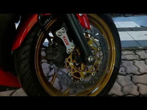 Disc brake PSM & Yoshimura Exhaust on Yamaha R25 review
