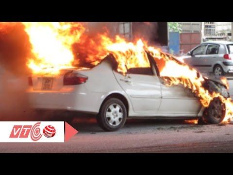 Ô tô bốc cháy: Kỹ năng xử lý nhanh nhất