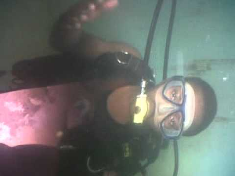 DIVING IN THE DIVE TANK