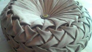 Video Canadian smocking/capitone round cushion by Debbie Shore. Matrix design. MP3, 3GP, MP4, WEBM, AVI, FLV Desember 2018
