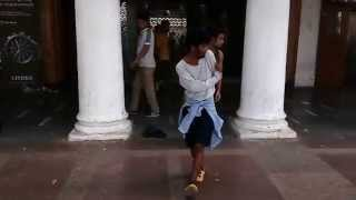 Download Lagu Amazing dance  at rajiv chowk (raahgiri ) Mp3