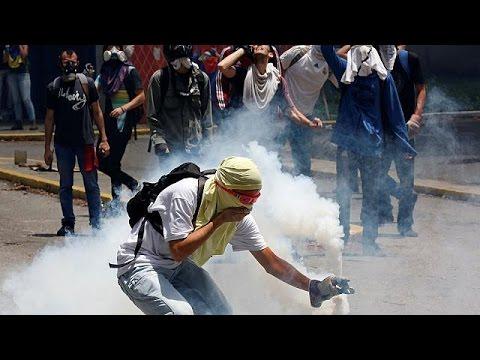 Βενεζουέλα: Συγκρούσεις,δακρυγόνα και μολότοφ στο Καράκας