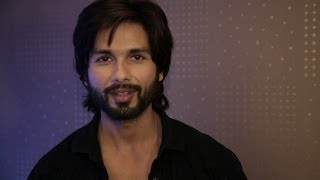 Shahid Kapoor wishes Merry Christmas & Happy New Year.
