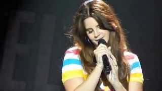 Lana del Rey singing Why Don't You Do Right? (Endless Summer Tour)