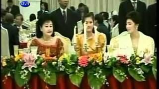 Prime Ministers Of Thailand ( Yingluck Shinawatra )and Cambodia ( Hun Sen ) Meet