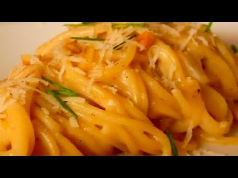 Espaguetis en Salsa de Queso Clásica