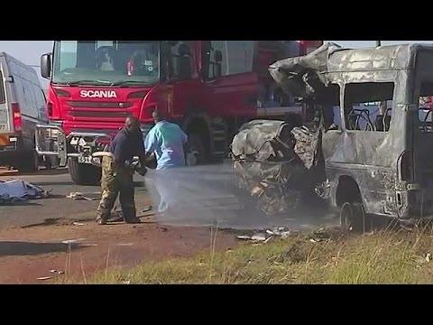 Νεκροί μαθητές από σύγκρουση λεωφορείου στη Νότια Αφρική