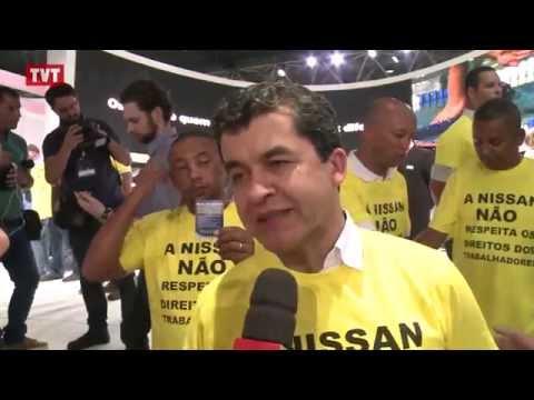 Metalúrgicos da GM e da Nissan protestam durante salão do automóvel