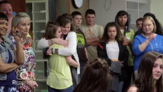 Video Grab the tissues! Soldier surprises daughters and his mother after 400 day deployment MP3, 3GP, MP4, WEBM, AVI, FLV Agustus 2019