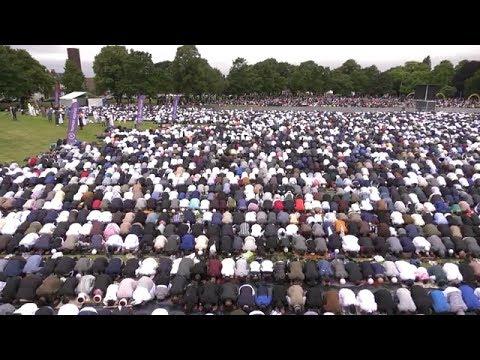 100,000 Muslims gather to celebrate Eid in Birmingham
