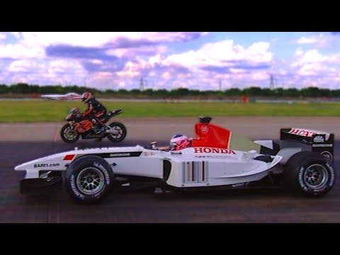 F1 - In this classic clip we have three Honda's going head-to-head-to-head to see which is best. Steve Curtis will be racing in his 225HP Power Boat, Michael Rutt...