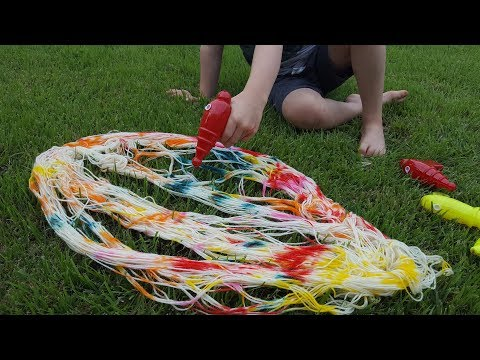 Dyepot Weekly #70 - Dyeing Yarn with Squirt Guns