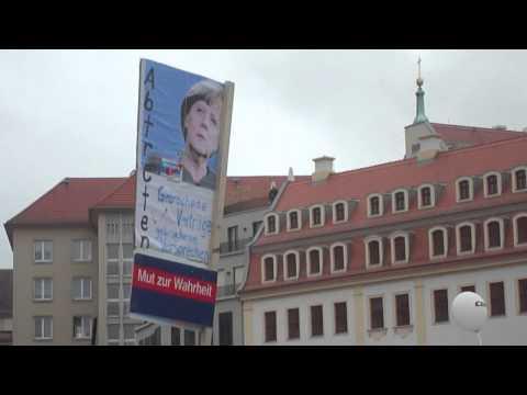 Malorny88 - Die AFD schon vor Augen, hatte Kanzlerin Merkel bei der eigenen Wahlkampfveranstaltung in Dresden.Klasse Werbung und gute Präsenz für die Alternative für Deu...
