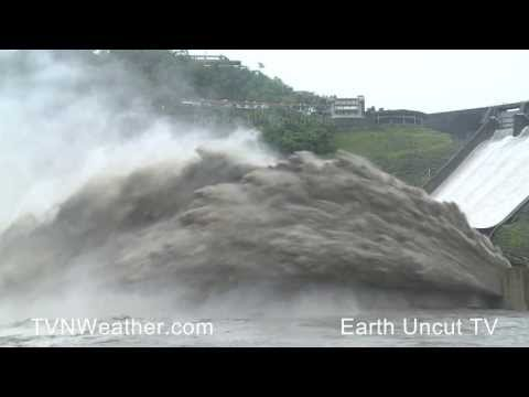 水庫洩洪的壯觀畫面!