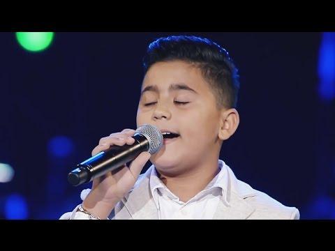 """أمير عموري يغني """"دبنا ع غيابك"""" لجورج وسوف على مسرح The Voice Kids"""