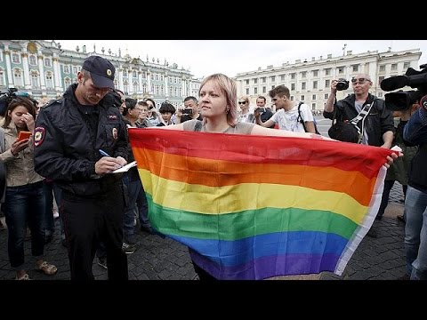Ρωσία: Προσαγωγές και προπηλακισμοί ακτιβιστών για τα δικαιώματα των ομοφυλοφίλων