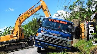 Video Excavator Accident JCB JS205SC Self Loader Truck Heavy Recovery Extended MP3, 3GP, MP4, WEBM, AVI, FLV Oktober 2018