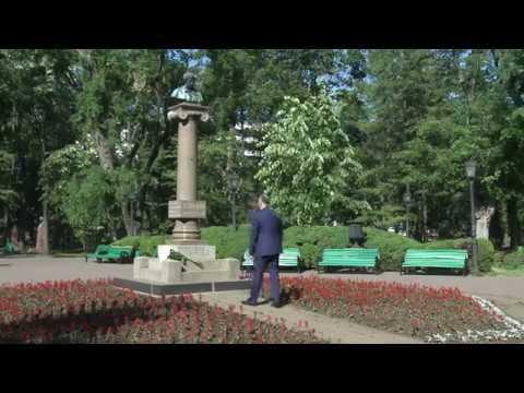 Președintele Republicii Moldova a depus flori la bustul marelui poet rus, Alexandr Pușkin