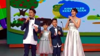 "Video Bilqis (Ayu Ting Ting) "" Kids Seleb Kesayangan "" - Mom & Kids Awards (19/12) MP3, 3GP, MP4, WEBM, AVI, FLV September 2018"