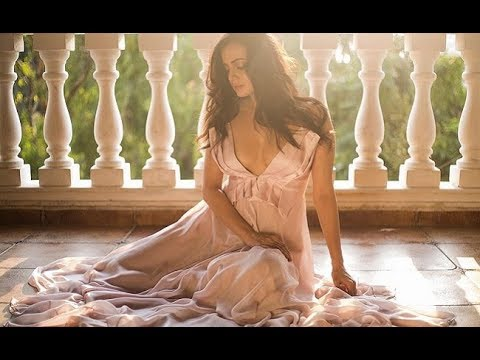 Video Dia Mirza - 'Exploding' With Exposing | Fitness Goals, gym diet ,movies scene,miss india download in MP3, 3GP, MP4, WEBM, AVI, FLV January 2017