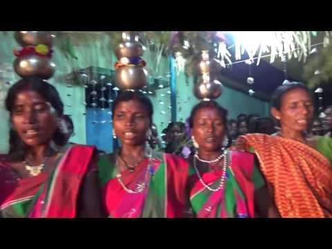 Video New santhali  wedding traditional dance video song.. 2017... download in MP3, 3GP, MP4, WEBM, AVI, FLV January 2017
