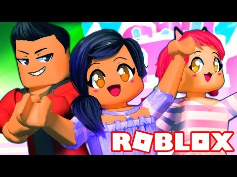 LIVING WITH MY CRAZY FRIENDS   ROBLOX