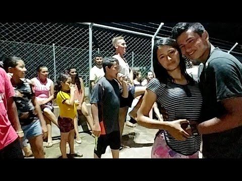 Videos de amor - ACA SI HAY AMOR. JULITO SORPRENDE A MONICA CON UN BONITO PRESENTE