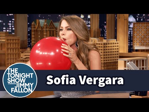 Sofia Vergara Chats with Jimmy While Sucking Helium (видео)