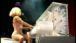 Lady Gaga, Glastonbury Festival 06/26/2009 part 4/4