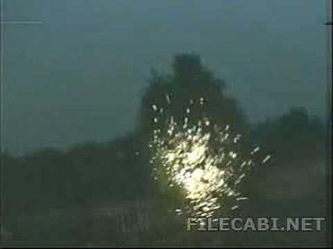下雨天拍到罕見的閃電恐怖一幕,膽小勿看!