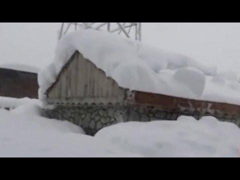 Αφγανιστάν: Δεκάδες νεκροί από τις φονικές χιονοστιβάδες